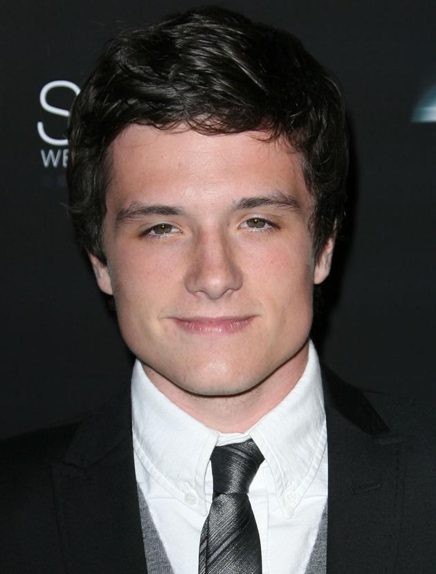 Josh Hutcherson photos: Sporting longer locks, Josh looks delicious.