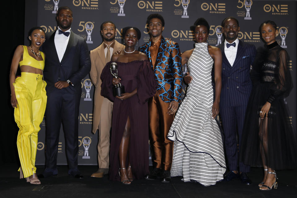 50th NAACP Image Awards – Photo Room – Los Angeles, California, U.S., March 30, 2019 – The cast of Black Panther pose backstage with their award for Outstanding Motion Picture. REUTERS/Mike Blake