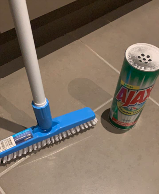Bunnings Oates Long Handled Grout Brush $10 with grout cleaner transforms bathroom tiles