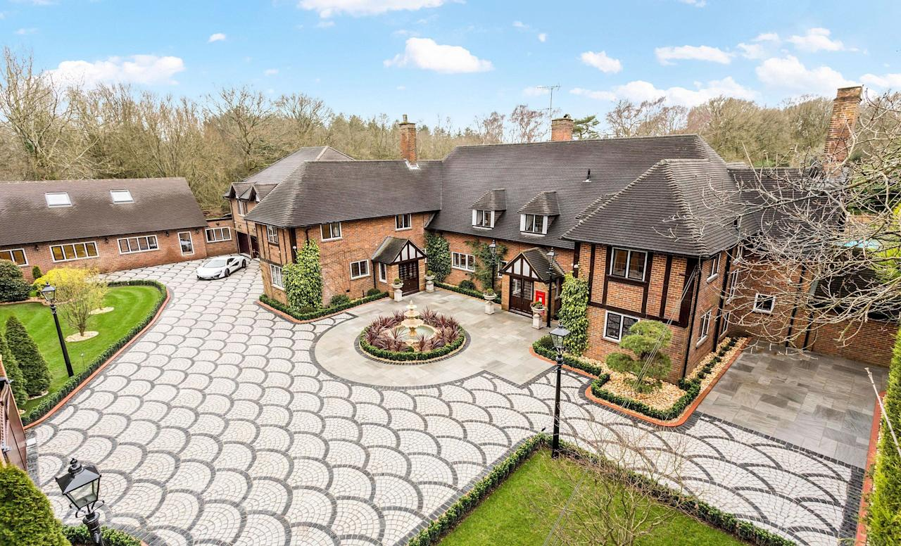 """<p><strong>Looking for some <a href=""""https://www.housebeautiful.com/uk/lifestyle/property/a32388583/buy-property/"""" target=""""_blank"""">property</a> inspiration? OnTheMarket has revealed the <strong>top 10 most virtually toured homes during lockdown </strong>— and they include a breathtaking former water tower in West Sussex and a stellar London townhouse for sale.</strong></p><p><a href=""""https://www.housebeautiful.com/uk/lifestyle/property/a32157542/virtual-tour-house-viewings-video/"""" target=""""_blank"""">Virtual house viewings</a> has increased as house-hunters continue their property search during the ongoing pandemic, and OnTheMarket has looked at the 3D tours that have been the most popular since <a href=""""https://www.housebeautiful.com/uk/garden/plants/a32042130/buy-plants-online/"""" target=""""_blank"""">lockdown</a> was implemented. </p><p>Vikki Bennett, spokesperson for <a href=""""https://www.onthemarket.com/"""" target=""""_blank"""">OnTheMarket</a>, said: 'It's interesting, although unsurprising, that consumer engagement with virtual tours has risen considerably since the beginning of lockdown. OnTheMarket is still receiving millions of visits each week and we believe millions of people are still seriously searching for their next home. </p><p>'While many people will fancy a glimpse through the keyhole at a luxury townhouse, virtual tours have become invaluable to serious buyers.'<br></p><p>Take a look at the most popular homes below...</p>"""