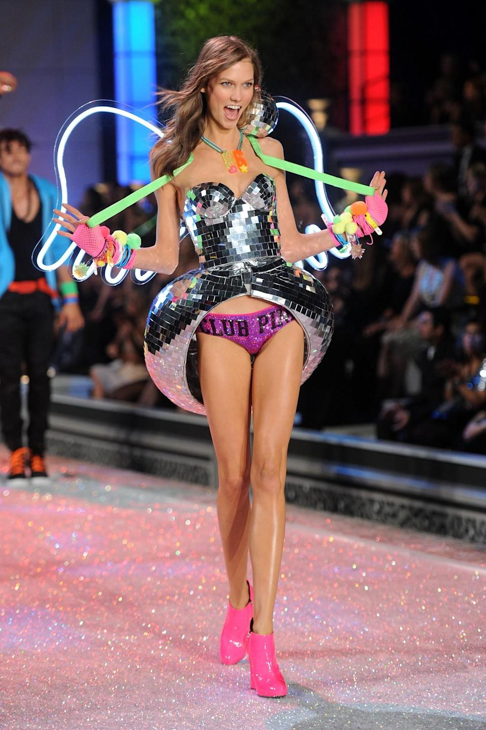 <p>Karlie dressed as a disco ball and still managed to look on-point. [Photo: Getty] </p>