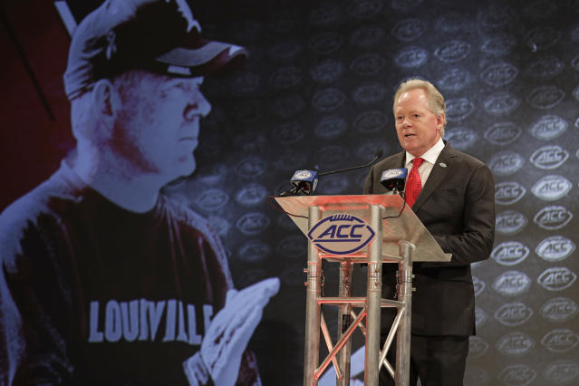 Bobby Petrino wants his team believing they can beat Alabama. (AP Photo/Chuck Burton)