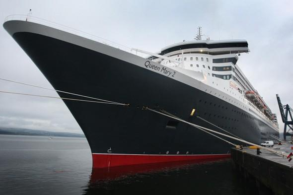 Crewman is quizzed over child abuse on QM2 and Queen Elizabeth cruises
