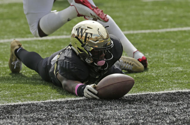 "Wake Forest's <a class=""link rapid-noclick-resp"" href=""/ncaaf/players/263433/"" data-ylk=""slk:Greg Dortch"">Greg Dortch</a> had nine touchdowns in 2017. (AP Photo)"