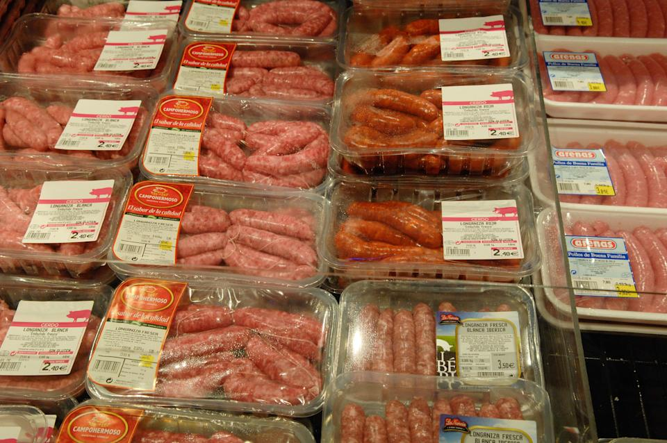 sausages,meat-processing. (Photo by: Newscast/Universal Images Group via Getty Images) (Photo: Newscast via Getty Images)