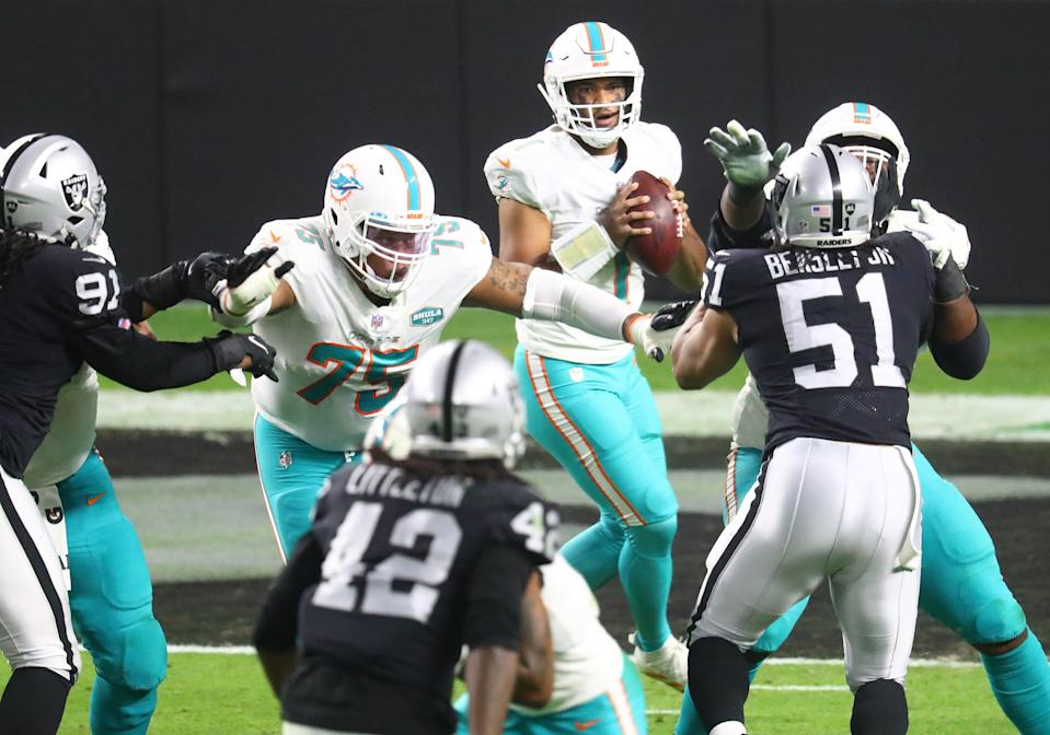 Tua Tagovailoa (1) and the Miami Dolphins are hoping for a 2021 NFL playoff breakthrough ... as are the Las Vegas Raiders.