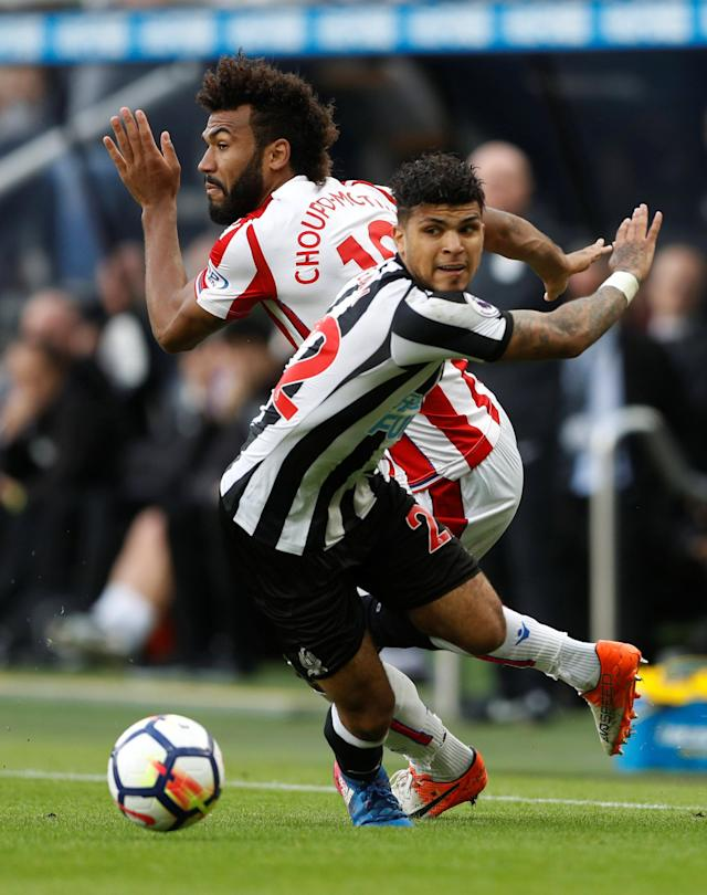 <p>Stoke City's Eric Maxim Choupo-Moting in action with Newcastle United's DeAndre Yedlin Action Images via Reuters/Carl Recine </p>