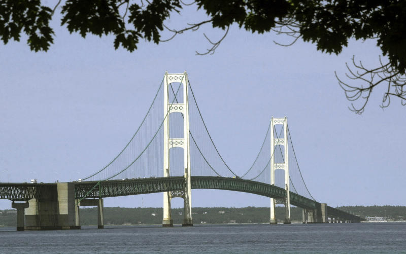 Enbridge offers 2024 finish for Great Lakes tunnel project