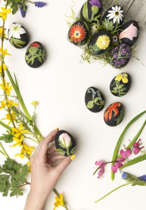 "<p>Create these mini masterpieces with some black paint and floral inspiration. These artsy eggs may take more time, but the gorgeous results are worth it. </p><p><strong>Get the tutorial at <a href=""http://thehousethatlarsbuilt.com/2015/03/botanical-easter-eggs.html/"" rel=""nofollow noopener"" target=""_blank"" data-ylk=""slk:The House That Lars Built"" class=""link rapid-noclick-resp"">The House That Lars Built</a>.</strong> </p>"