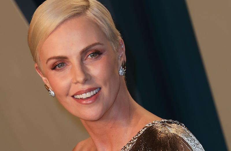 BEVERLY HILLS, CALIFORNIA - FEBRUARY 09: Charlize Theron attends the 2020 Vanity Fair Oscar Party at Wallis Annenberg Center for the Performing Arts on February 09, 2020 in Beverly Hills, California. (Photo by Toni Anne Barson/WireImage)
