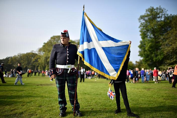 A member of the Grand Orange Lodge of Scotland prepares to march in Edinburgh, on September 13, 2014 (AFP Photo/Ben Stansall)