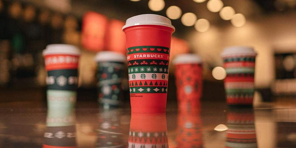 Starbucks Is Giving Away FREE Reusable Cups Nationwide Tomorrow Because Holiday Drinks Are Returning