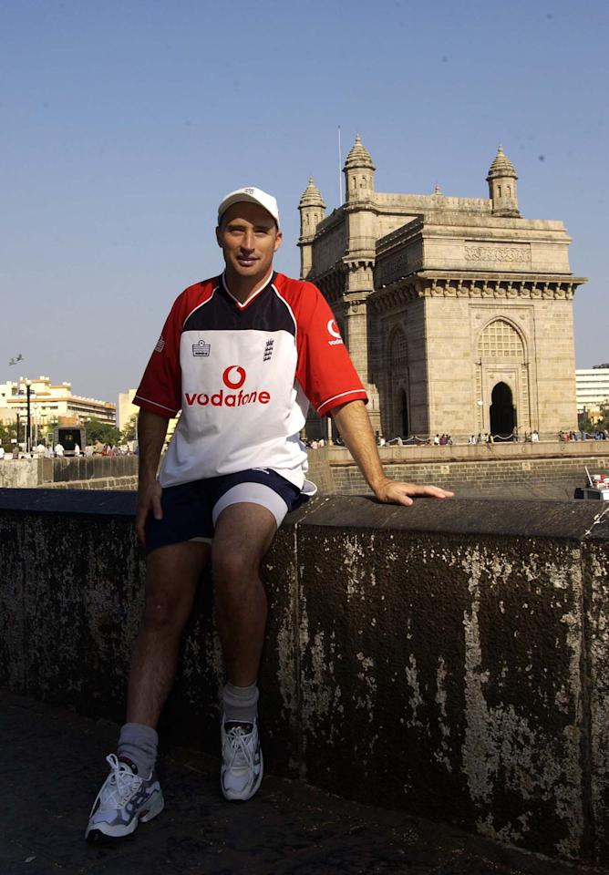 14 Nov 2001:  Nasser Hussain the England captain poses for pictures by the Gateway to India monument at the Taj Mahal Hotel, Mumbai, India. DIGITAL IMAGE. Mandatory Credit: Tom Shaw/ALLSPORT