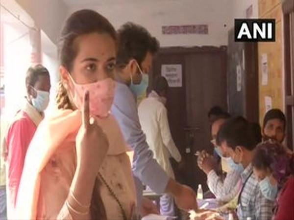 Subhashini Raj Rao cast her vote at a polling booth in Madhepura in the third and final phase of Bihar polls.