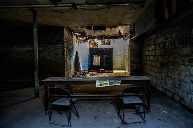 <p>The unusual location, which is nearly 140 years old, now serves as a muse to contemporary masterpieces while on the grounds, workers mine the outside land for dolomite and limestone. (Photo: Abandoned Southeast/Caters News) </p>