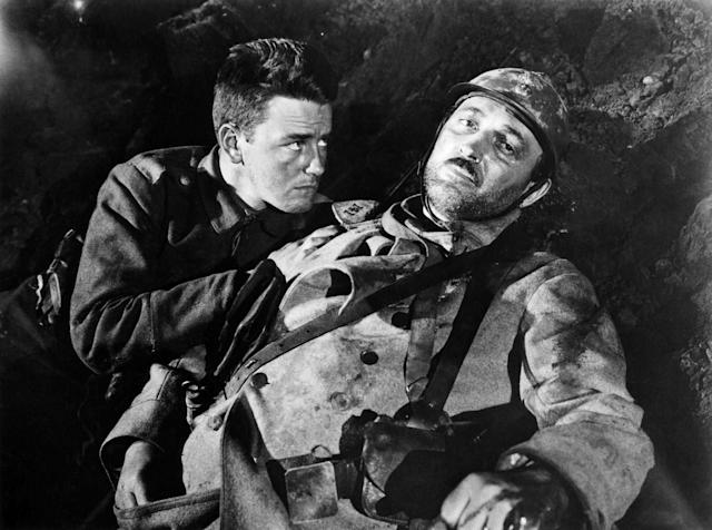 Lew Ayres and Raymond Griffith in the 1929/1930 Best Picture winner, <em>All Quiet on the Western Front</em> (Photo: Courtesy Everett Collection)