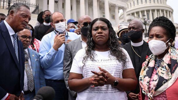 PHOTO: Rep. Sheila Jackson Lee, right, Rep. Cori Bush, center and civil rights activist Jesse Jackson speak at a rally against the end of the eviction moratorium at the U.S. Capitol, Aug. 3, 2021, in Washington, DC. (Kevin Dietsch/Getty Images)