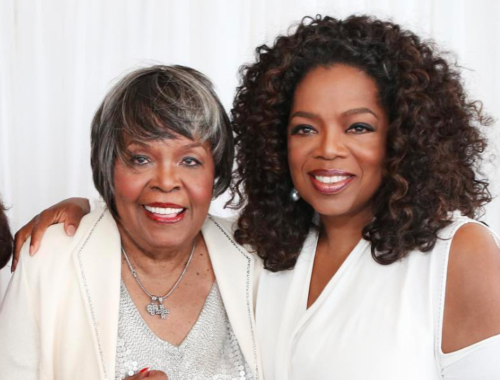 Oprah Winfrey with her mother, Vernita Lee. (Photo: <em>Oprah</em> magazine via Instagram)
