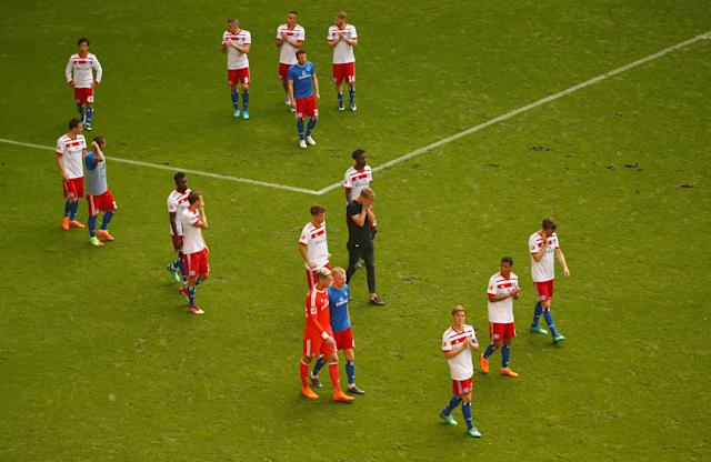 Soccer Football - Bundesliga - Hamburger SV v Borussia Moenchengladbach - Volksparkstadion, Hamburg, Germany - May 12, 2018 Hamburg's Gotoku Sakai and team mates look dejected as they applaud the fans at the end of the match REUTERS/Morris Mac Matzen DFL RULES TO LIMIT THE ONLINE USAGE DURING MATCH TIME TO 15 PICTURES PER GAME. IMAGE SEQUENCES TO SIMULATE VIDEO IS NOT ALLOWED AT ANY TIME. FOR FURTHER QUERIES PLEASE CONTACT DFL DIRECTLY AT + 49 69 650050