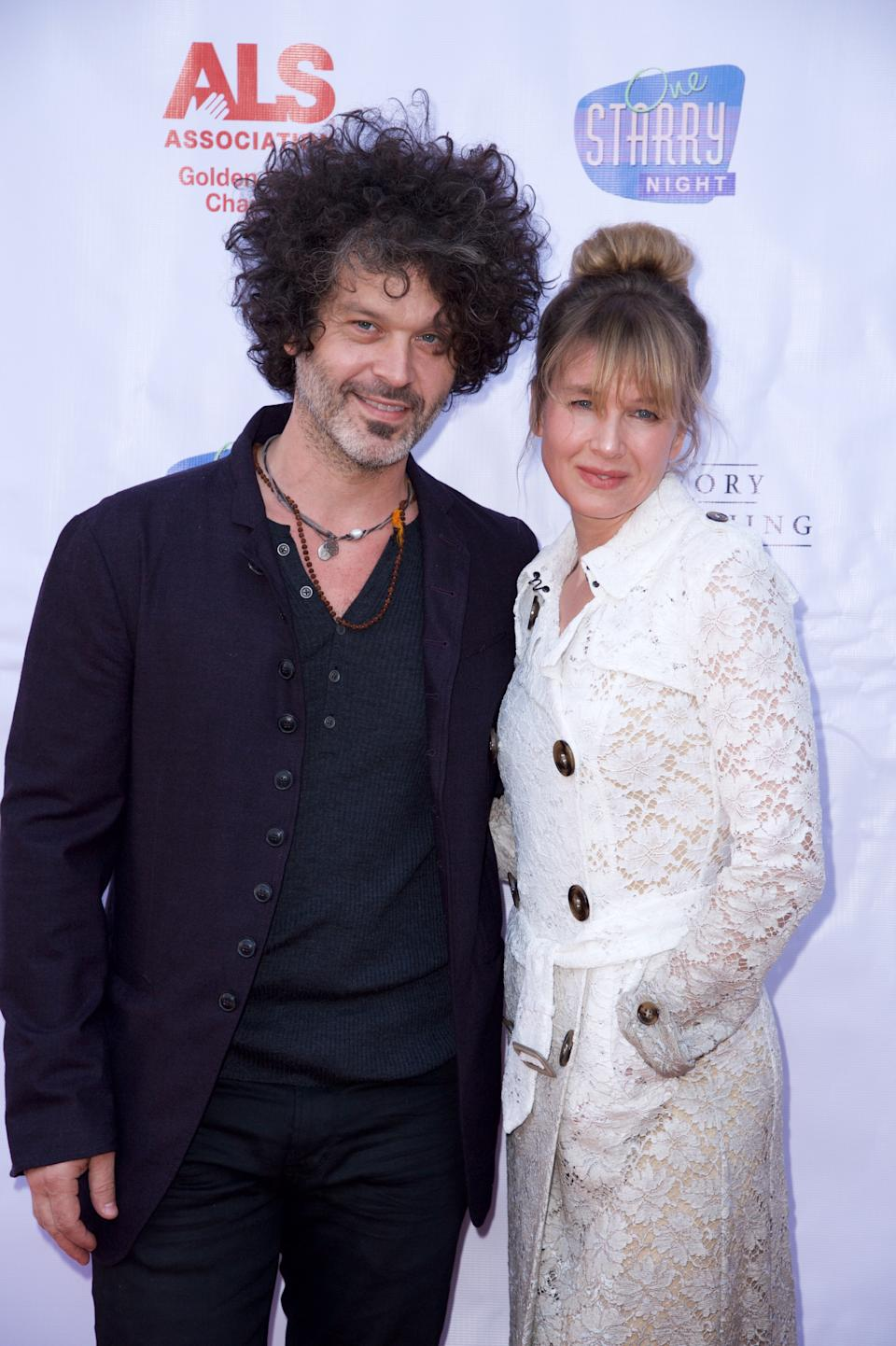 Zellweger and her partner Doyle Bramhall III attend a gala in support of the ALS Association in Pasadena, California, in 2015. (Photo: Earl Gibson III/Getty Images)