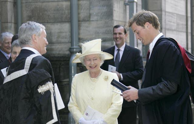 The Queen with Prince William after his graduation ceremony (Michael Dunlea/Daily Mail/PA)