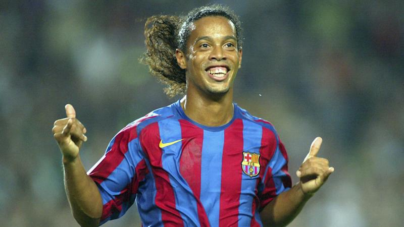 Ronaldinho among the free agents Barcelona could sign to replace Dembele