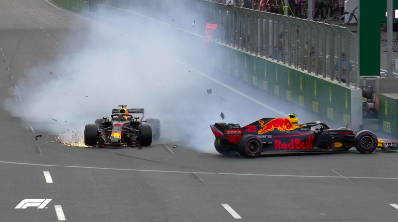 L'incroyable accrochage des deux Red Bull