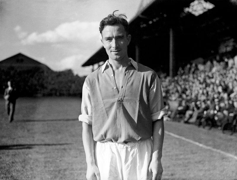 Denis Compton earned great success in cricket as well as football.