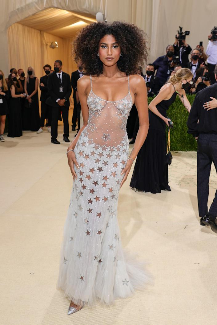 """<h1 class=""""title"""">Imaan Hammam in vintage Atelier Versace</h1><cite class=""""credit"""">Photo: Getty Images</cite>"""