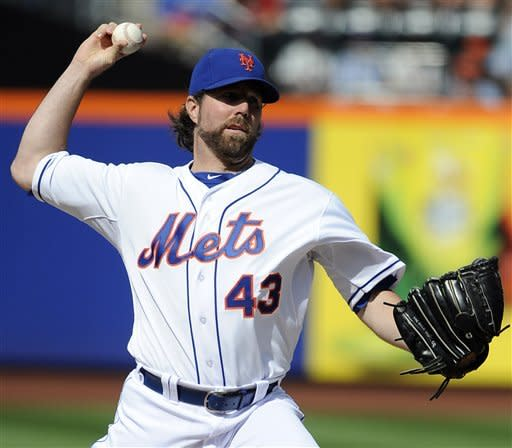 Dickey shuts out Cardinals (7 hits), Mets win 5-0