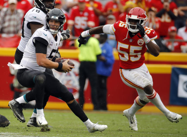 "<a class=""link rapid-noclick-resp"" href=""/nfl/players/27551/"" data-ylk=""slk:Dee Ford"">Dee Ford</a> and the Chiefs' pass-rush could have an eventful day against <a class=""link rapid-noclick-resp"" href=""/nfl/players/30980/"" data-ylk=""slk:Josh Rosen"">Josh Rosen</a>. (AP Photo/Charlie Riedel)"