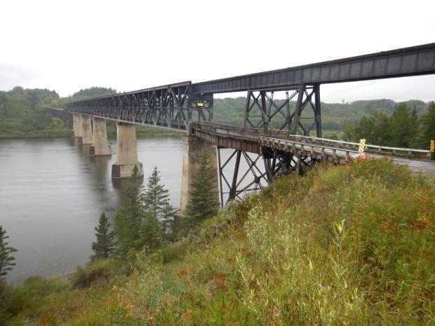 The old Nipawin bridge closed to all traffic on Wednesday. (Twitter/SKGovHwyHotline - image credit)