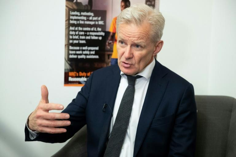 The secretray genweral of the Norwegian Refugee Council Jan Egeland says that Yemeni authorities must allow aid agencies to do their job
