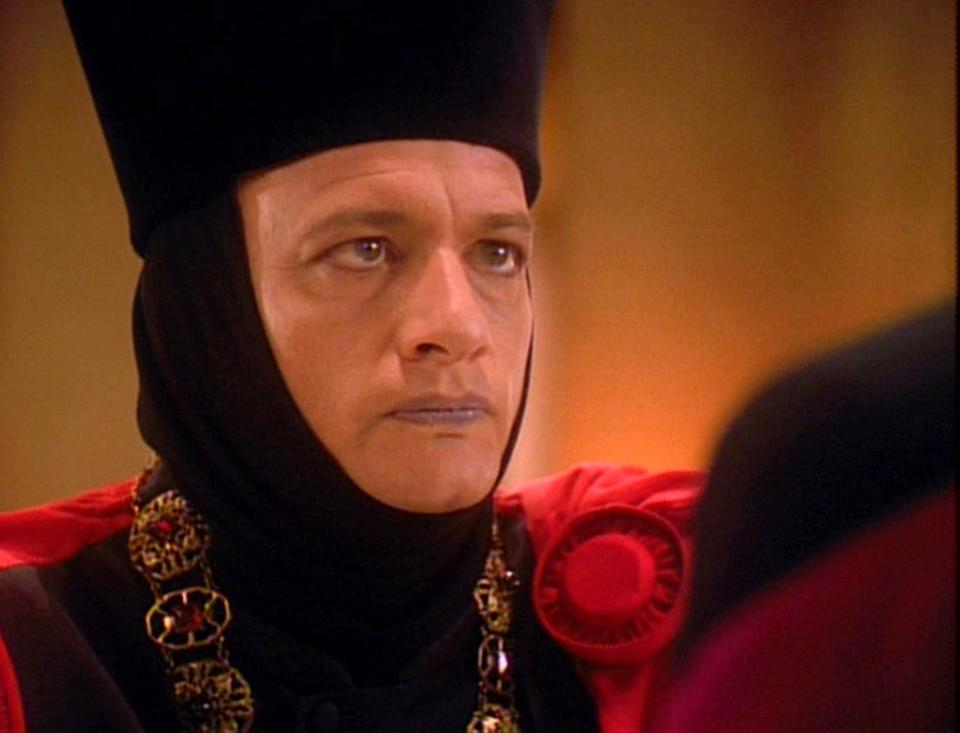 American actor John de Lancie (as Q) in a scene from the final episode of the television series 'Star Trak: The Next Generation,' entitled 'All Good Things...', May 23, 1994. (Photo by CBS Photo Archive/Getty Images)