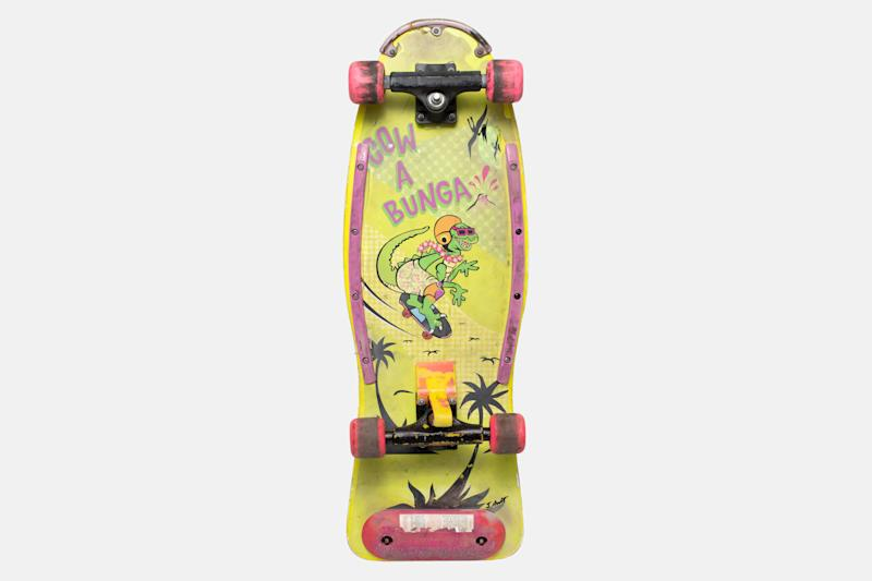 A '90s-inspired skateboard from the Jonah Hill film, 'Mid90s' (Photo: A24 Auctions)