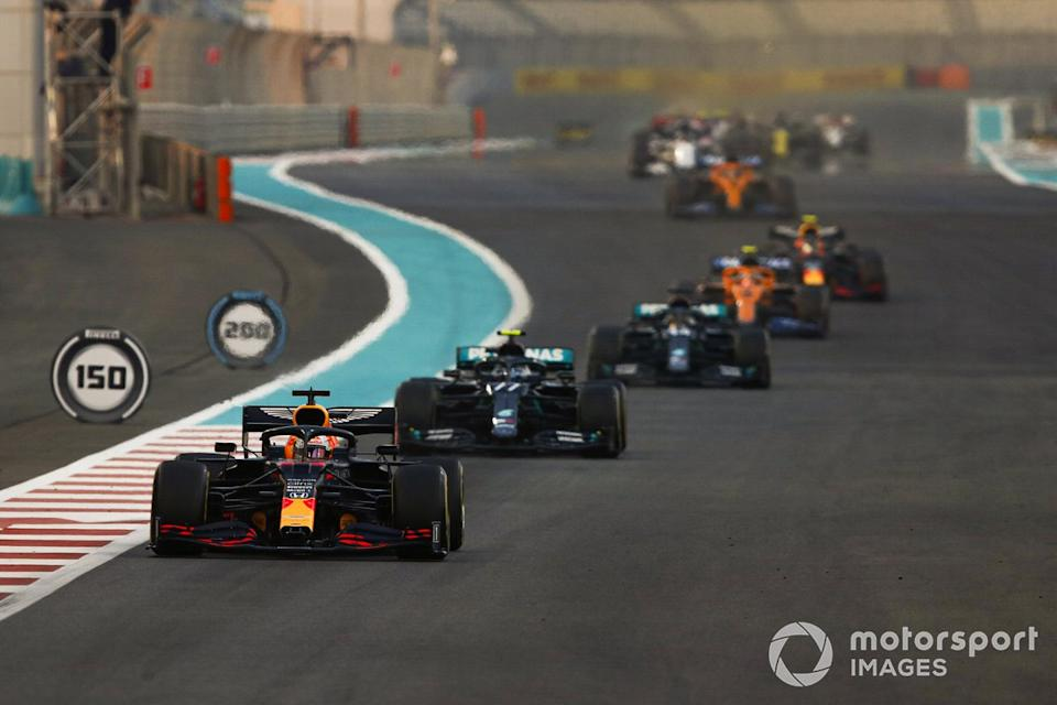 "Max Verstappen, Red Bull Racing RB16, Valtteri Bottas, Mercedes F1 W11, Lewis Hamilton, Mercedes F1 W11, Lando Norris, McLaren MCL35<span class=""copyright"">Charles Coates / Motorsport Images</span>"