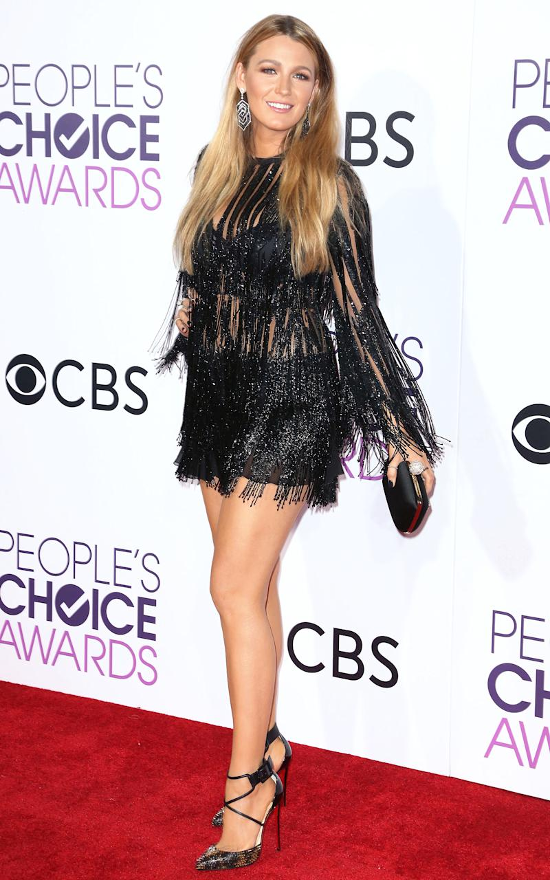Blake Lively Goes Short, Sheer and Swingy at the People\'s Choice Awards