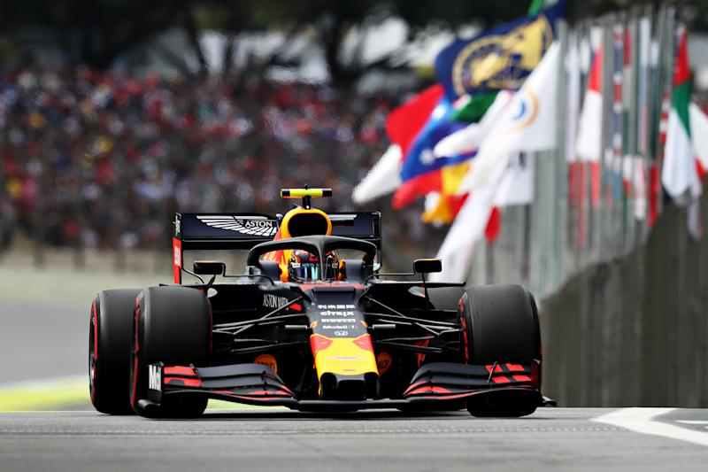 SAO PAULO, BRAZIL - NOVEMBER 16: Alexander Albon of Thailand driving the (23) Aston Martin Red Bull Racing RB15 on track during qualifying for the F1 Grand Prix of Brazil at Autodromo Jose Carlos Pace on November 16, 2019 in Sao Paulo, Brazil. (Photo by Mark Thompson/Getty Images)