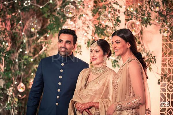 Anushka Sharma-Virat Kohli and Sagarika Ghatge-Zaheer Khan look every bit royal in this photo