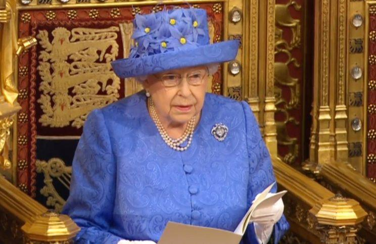 <i>Twitter thinks the Queen's hat was meant to resemble the EU flag [Photo: PA]</i>
