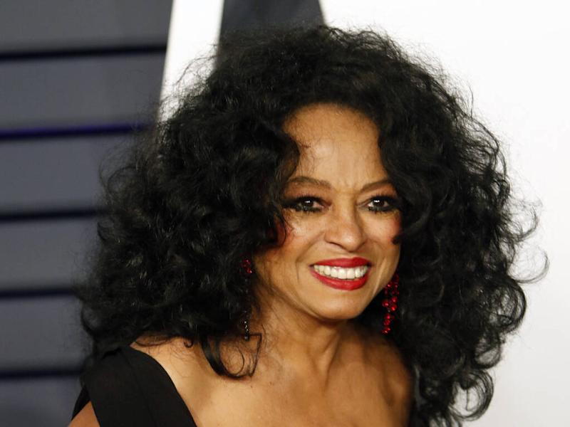 Diana Ross to play Glastonbury legends' slot