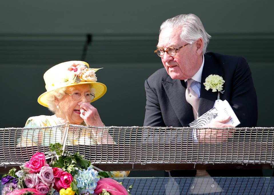 EPSOM, UNITED KINGDOM - JUNE 03: (EMBARGOED FOR PUBLICATION IN UK NEWSPAPERS UNTIL 48 HOURS AFTER CREATE DATE AND TIME) Queen Elizabeth II and Lord Samuel Vestey watch the racing as they attend Derby Day during the Investec Derby Festival at Epsom Racecourse on June 3, 2017 in Epsom, England. (Photo by Max Mumby/Indigo/Getty Images)