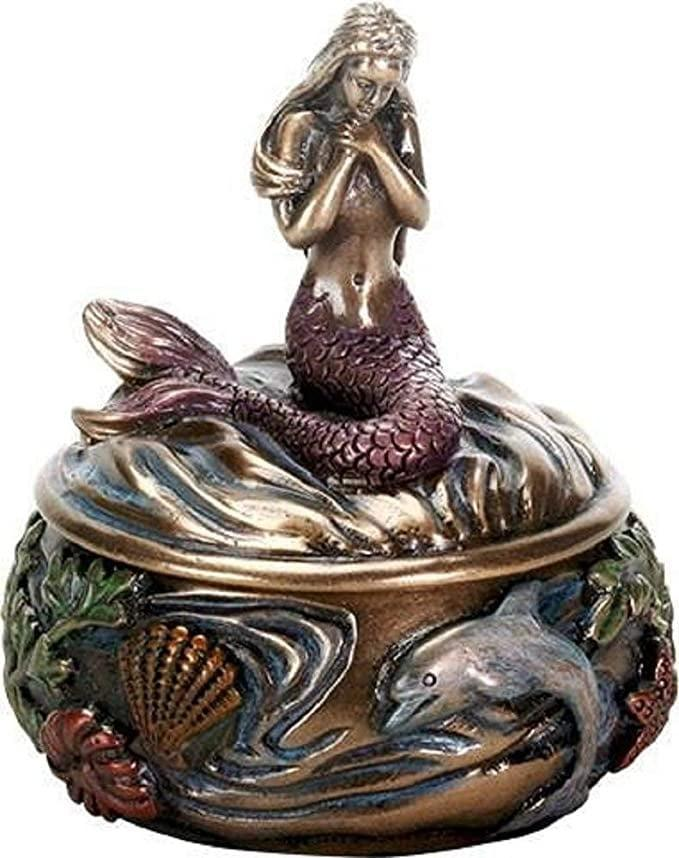 <p>Store your special jewerly in this <span>Sirens of The Sea Jewelry Box</span> ($22).</p>