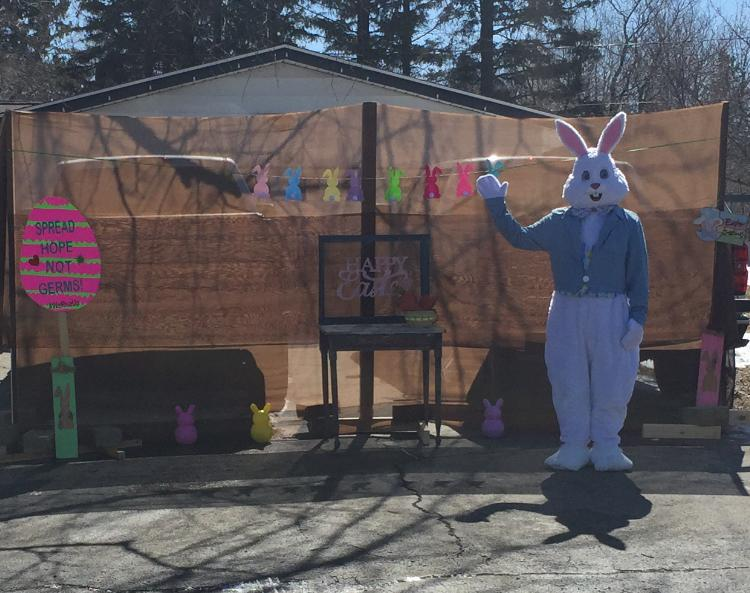 Michael Sandlin dressed as the Easter Bunny in front of his Minnesota home (Photo: Destini Sandlin)