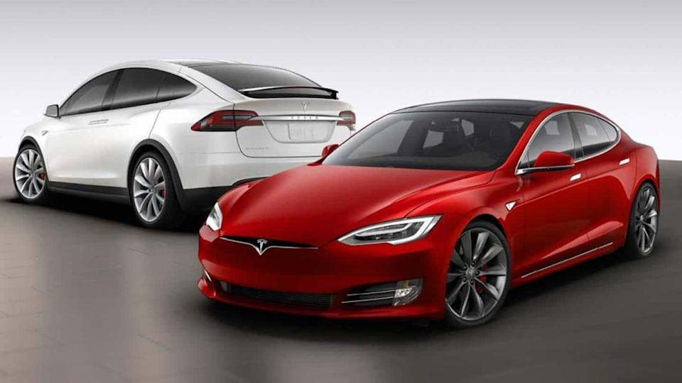 Tesla to recall 1.35 lakh cars over touchscreen issue