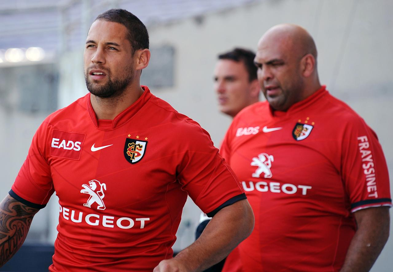 Stade Toulousain's Luc Mac Alister (L) participates with teammates in a training session on June 1, 2012 in Saix, southwestern France, on the eve of the Top 14 semi-final rugby match in Toulouse opposing Toulouse and Castres. AFP PHOTO/REMY GABALDAREMY GABALDA/AFP/GettyImages