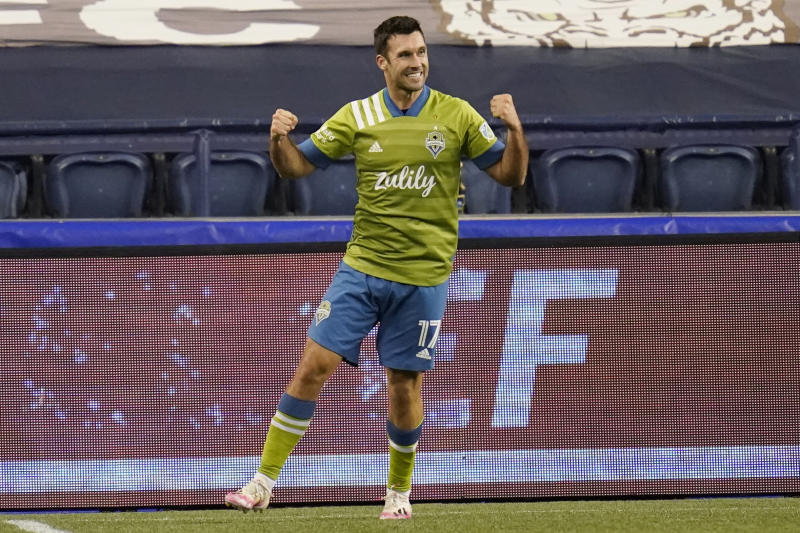 Bruin's late goal gives Sounders 1-1 draw with rival Timbers