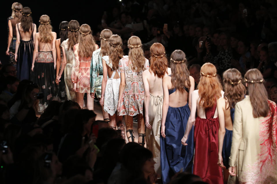 Models present creations by Italian designers Maria Grazia Chiuri and Pier Paolo Piccioli as part of their Spring/Summer 2015 women's ready-to-wear collection for fashion house Valentino during Paris Fashion Week September 30, 2014.  REUTERS/Charles Platiau  (FRANCE - Tags: FASHION TPX IMAGES OF THE DAY)
