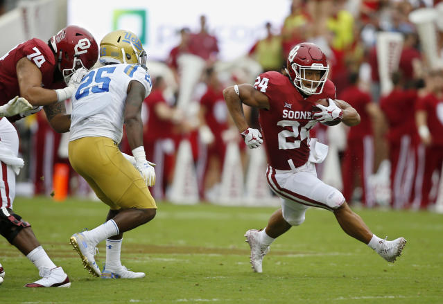 "Oklahoma's <a class=""link rapid-noclick-resp"" href=""/ncaaf/players/251153/"" data-ylk=""slk:Rodney Anderson"">Rodney Anderson</a> was one of the top running back prospects in the country this season. (AP Photo)"