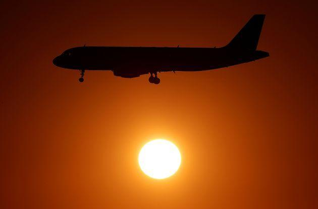 An Alitalia airplane approaches to land at Fiumicino airport in Rome, Italy October 24, 2018. REUTERS/Max Rossi (Photo: Max Rossi via Reuters)